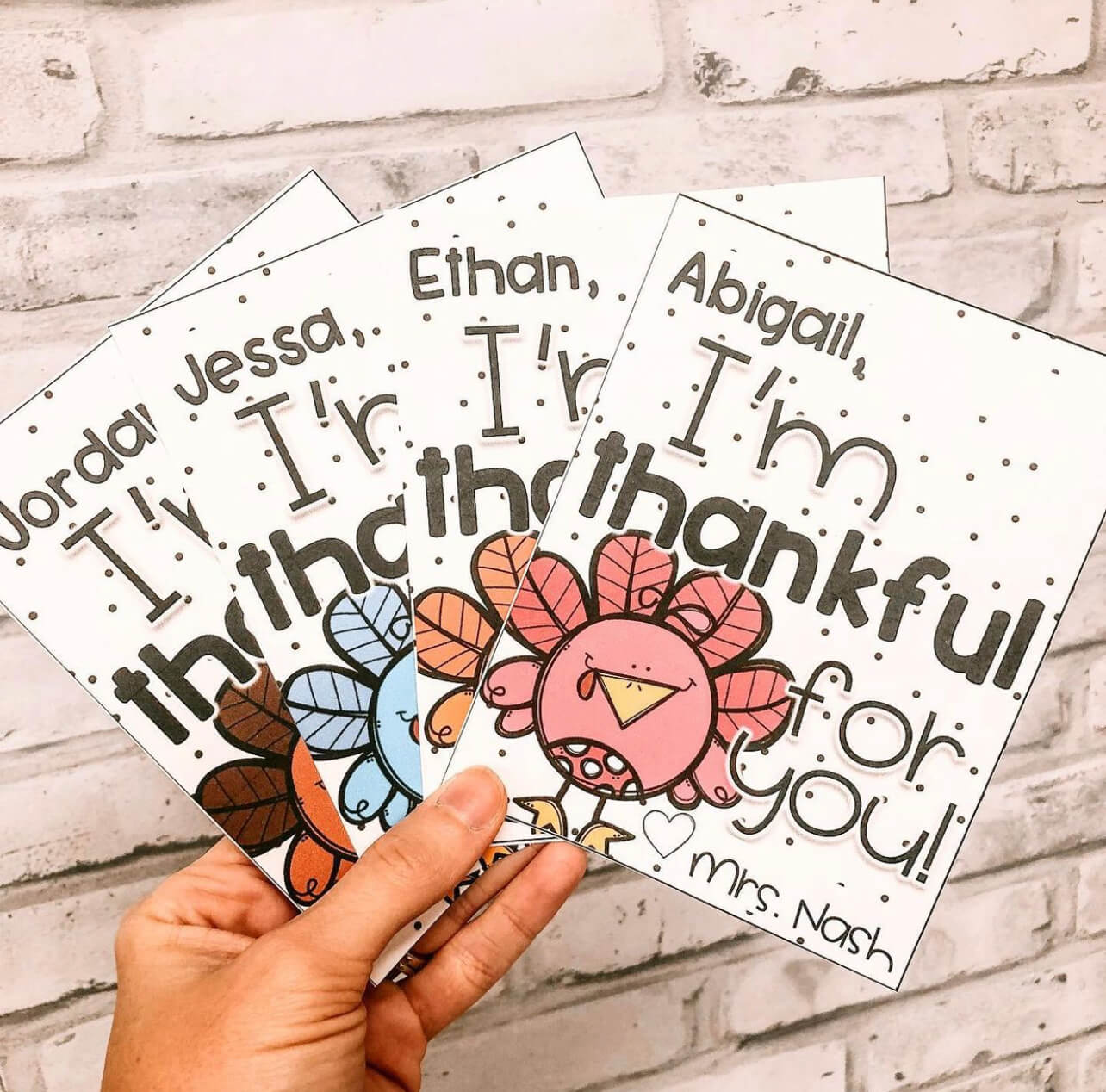 Use these thankful notes as a sweet thanksgiving activity for the classroom.