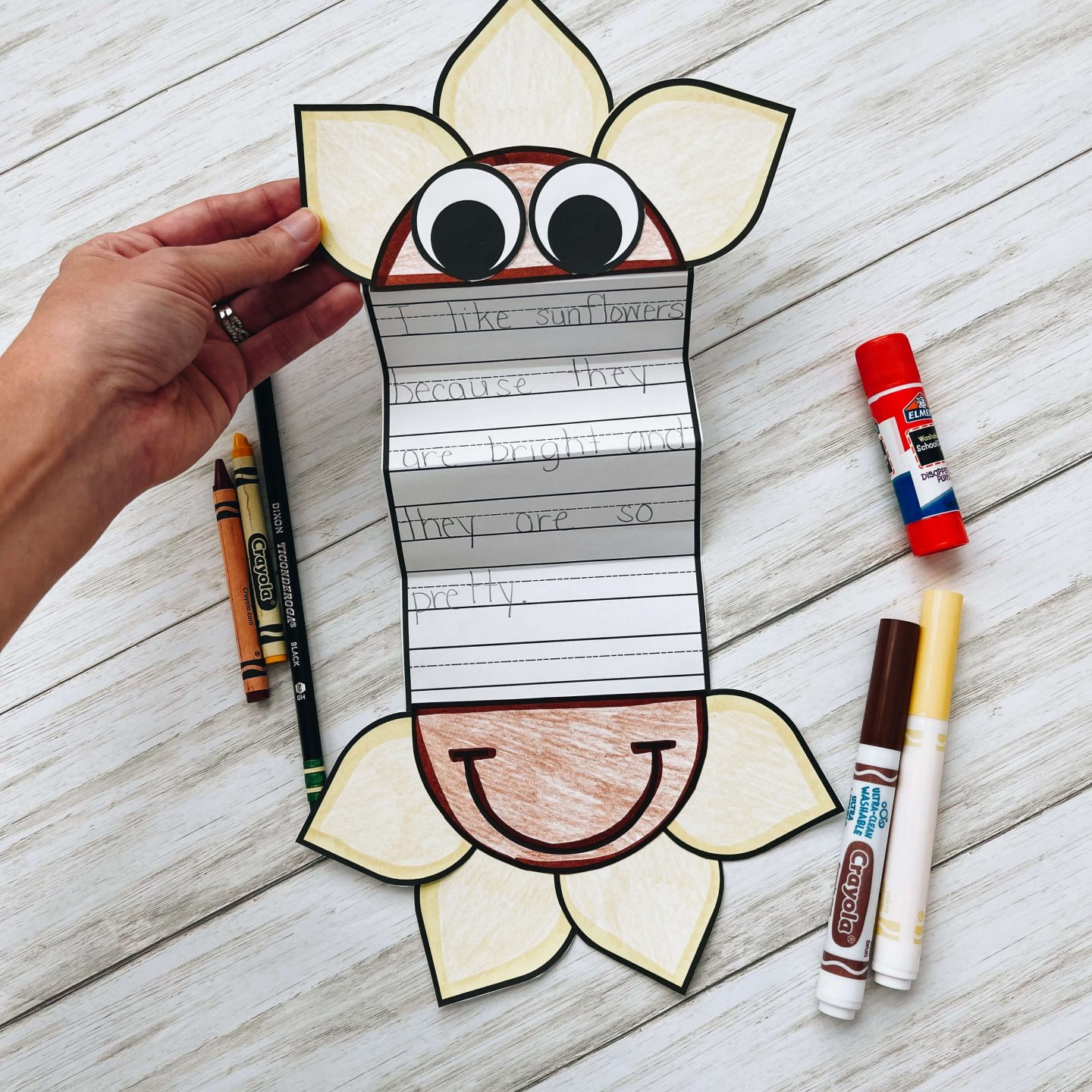 Fun fall craft for kids that is educational and fun!